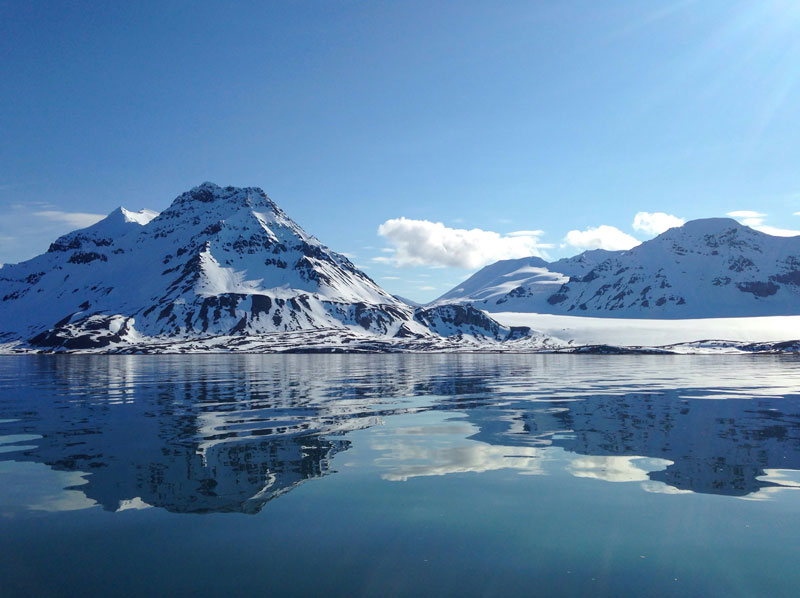 Isfjorden on a sunny day. Photo: Rachel Eden Reich