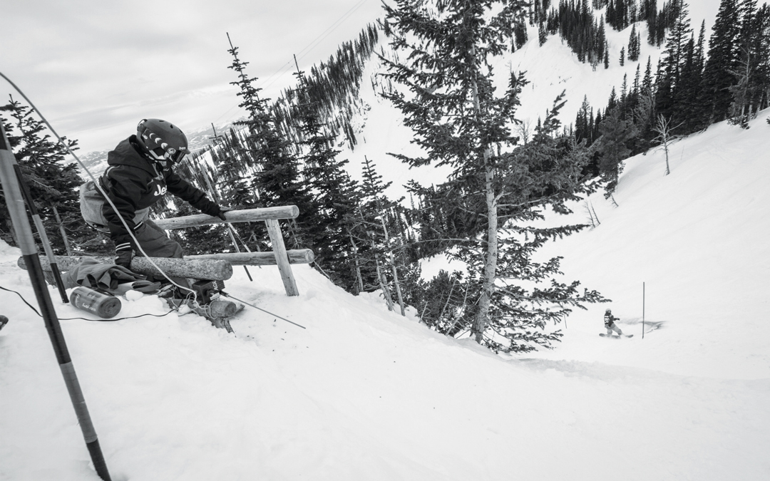 Snowboarding. 18-19 JHSM. Rider Kayson Jones about to drop in after rider Lucy Schultz. Photo: Ryan Dee.