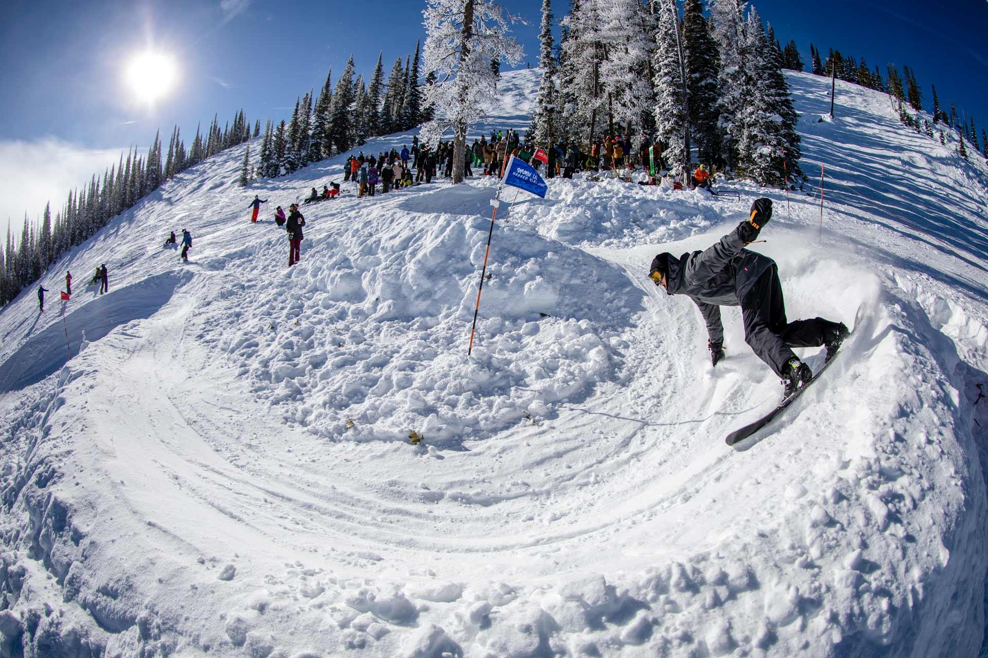 19-20 JHSM. Snowboarding. Smash Life. Rider: Calvin Patterson. Photo: Ben Gavelda