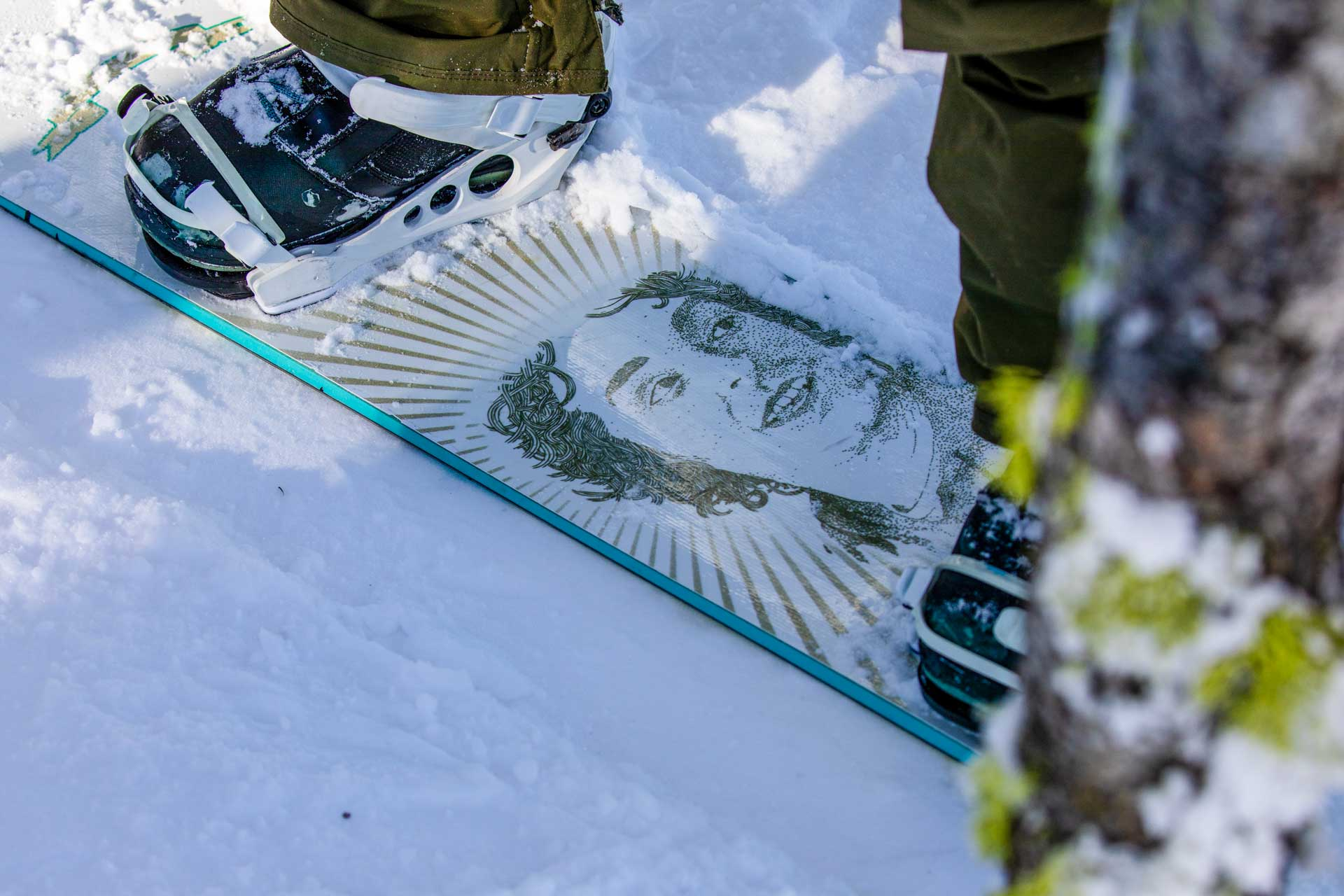 19-20 JHSM. Snowboarding. Smash Life. Rider: Kyle Miller. Photo: Ben Gavelda.