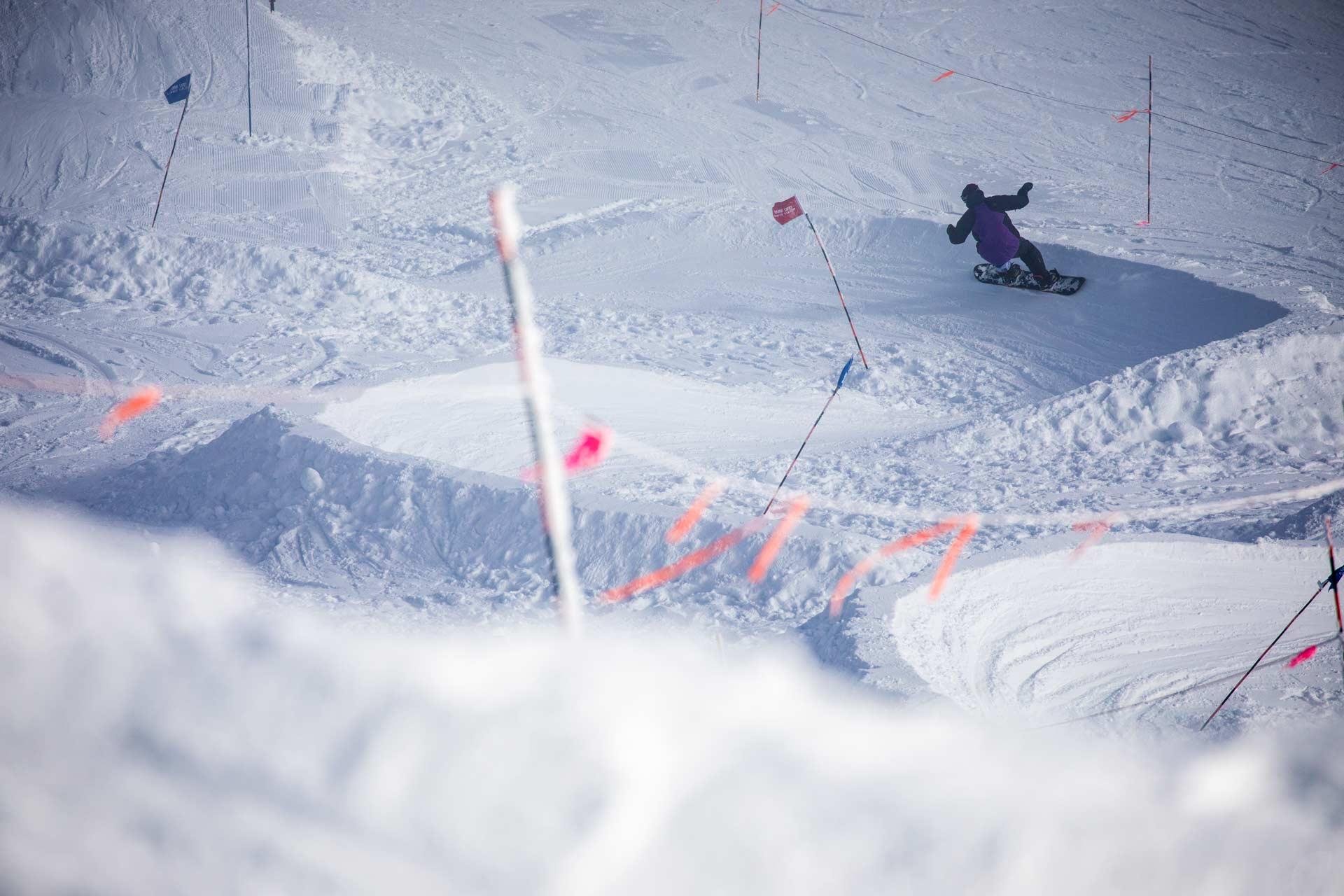 19-20 JHSM. Snowboarding. Smash Life. Rider: Mike Scarfi. Photo: Ben Gavelda