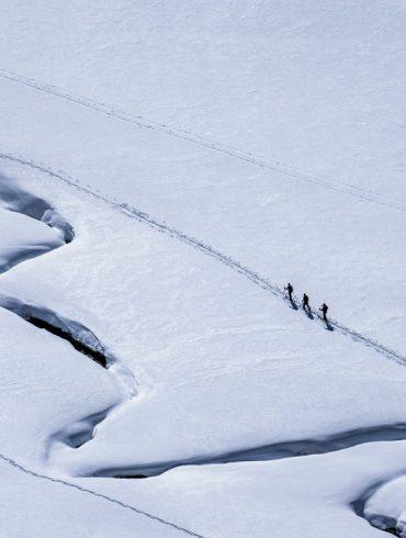 snowboarding. 19-20 JHSM. Jeremy Jones, Travis Rice, Bryan Iguchi. Wyoming. Photo: Ming Poon.